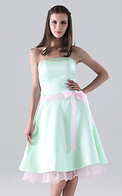 A-line Strapless Knee-length Satin Organza Bridesmaid/ Homecoming Dress