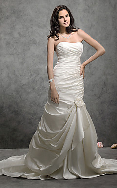 Trumpet/Mermaid Sweetheart Court Train Satin Wedding Dress