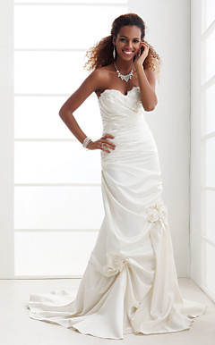 Trumpet/Mermaid Strapless Sweetheart Court Train Satin Wedding Dress