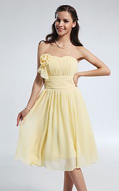 A-line Princess Sweetheart Knee-length Chiffon Bridesmaid Dress