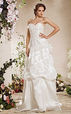 A-line Strapless Sweep/Brush Train Taffeta Weeding Dress