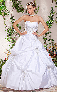 Ball Gown Sweetheart Strapless Floor-length Beading Pick-Ups Wedding Dress