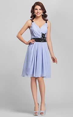 A-line V-hals Knee-Length Chiffon Bridesmaid Dress